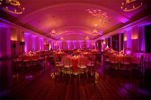 How Lighting Can Affect Your Wedding: 1275165316_96661085_2-LED-PAR-COLOR-WASH-UP-LIGHTING